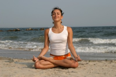 yoga_girl_on_beach_pic1_modified.jpg